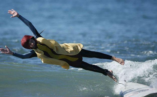 annual-surf-costume-contest-in-santa-monica-ca-03