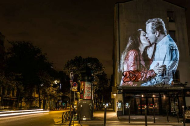 portraits-of-love-birds-kissing-in-the-streets-of-paris-19