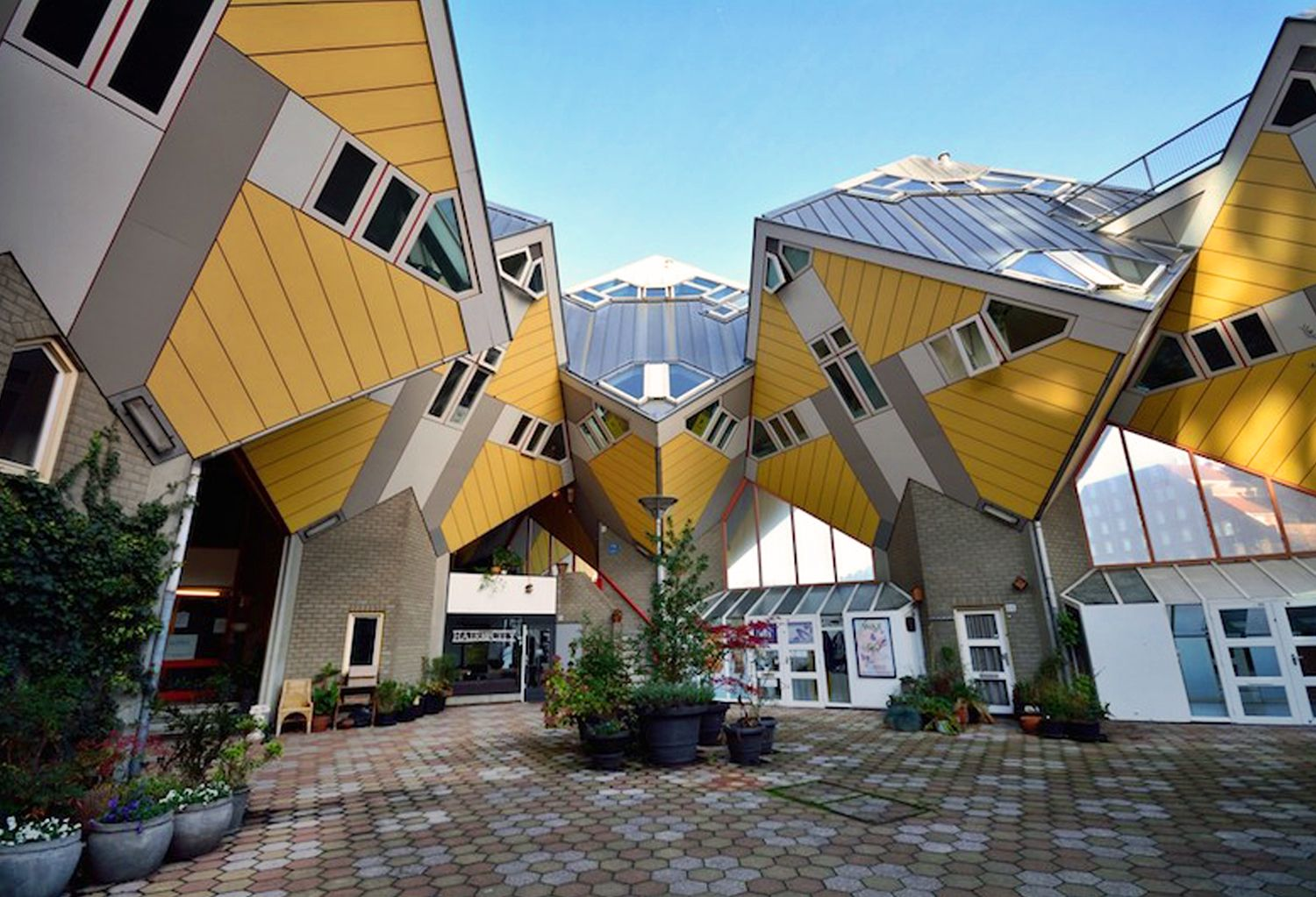 10 Impossibly Awesome Houses From All Around The World Brain Berries
