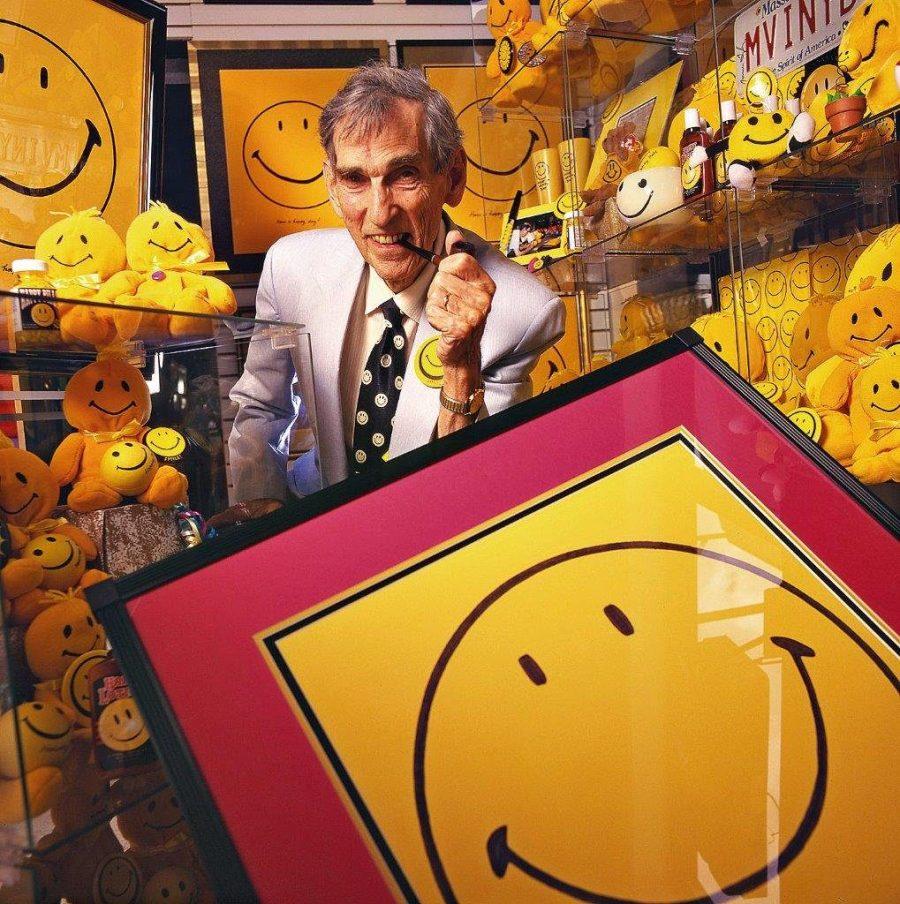 وجه مبتسم |  10 أفكار لمنتجات بسيطة جعلت من المبدعين مليونيرات |  التوت الدماغ