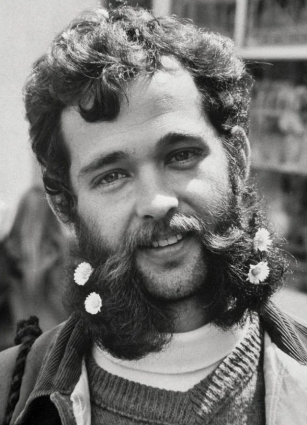 Facial Hair | 6 Things Women Found Really Attractive in the 60's | Brain Berries