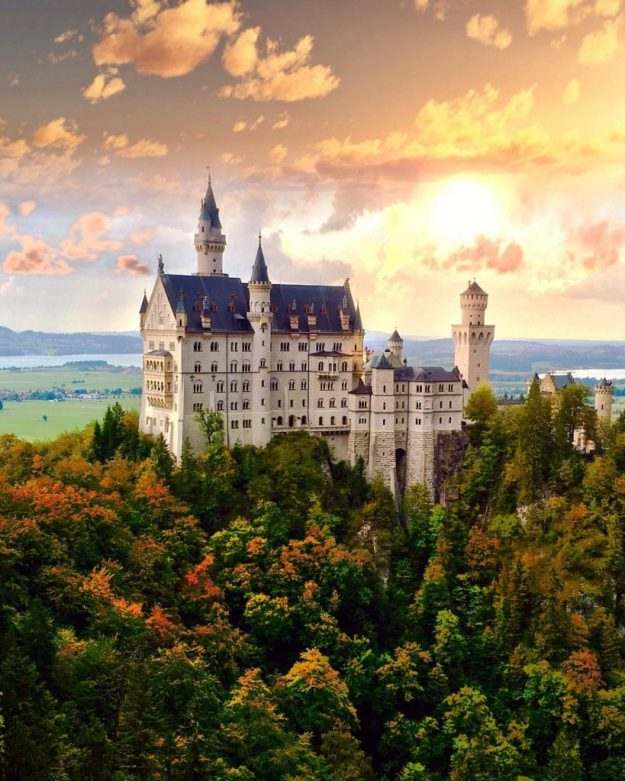 Замок Нойшванштайн, Германия   10 красивейших мест в Европе, о которых почти ничего не знают туристы   Brain Berries