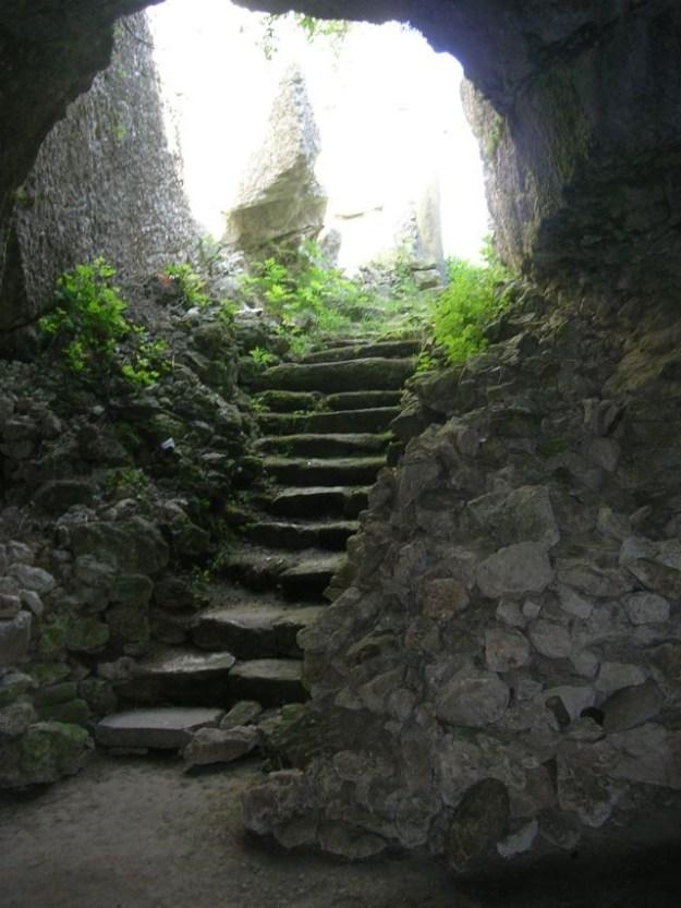 Mihalich Cave Church, Bulgaria inside   17 Astonishingly Beautiful Cave Churches Around The World   Brain Berries