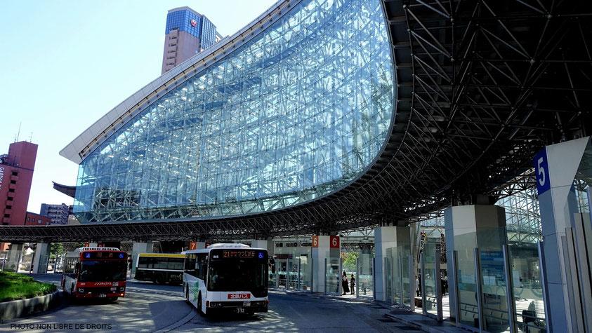 2. محطة كانازاوا ، داخل كانازاوا    سبع محطات قطارات شهيرة في العالم    التوت الدماغ