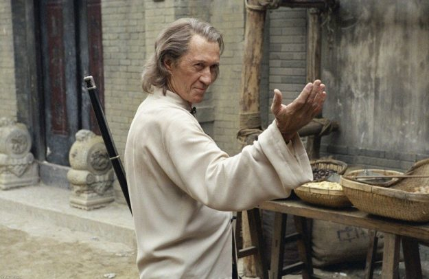 David Carradine | 6 Martial Arts Actors That Don't Even Have A Black Belt | Brain Berries