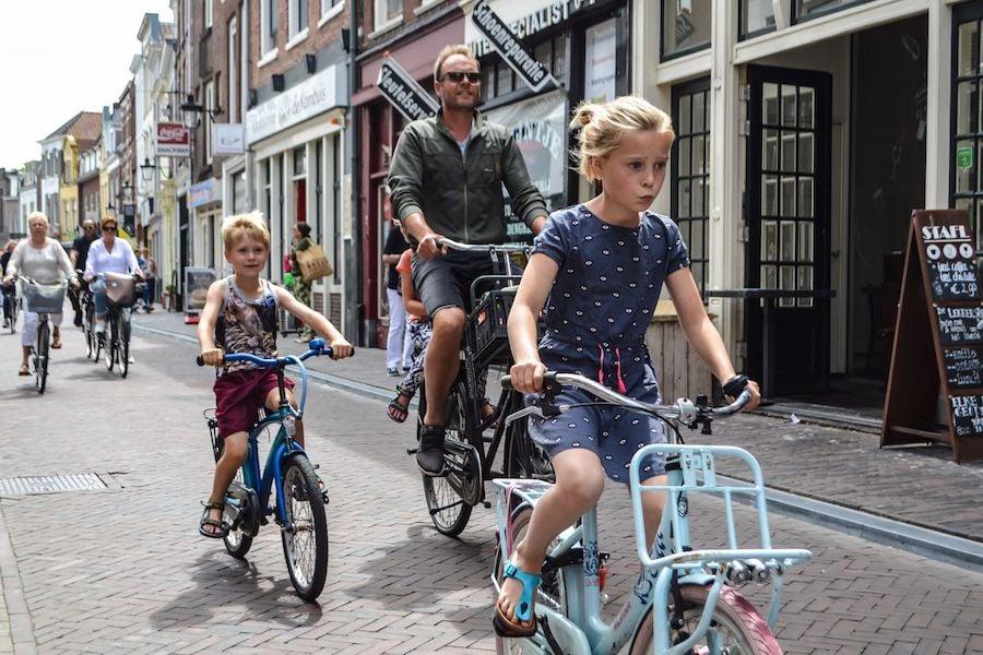 هولندا |  10 دول تتمتع بأكبر قدر من المرح!  |  التوت الدماغ