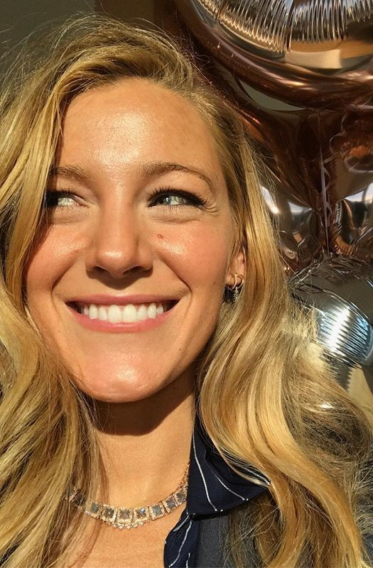 Blake Lively #3   9 Gorgeous Celebrities Who Hate Wearing Makeup   Brain Berries