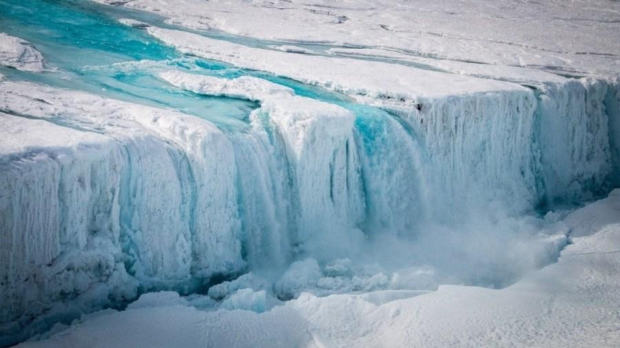 بعض أجزاء القارة القطبية الجنوبية لم تشهد هطول أمطار خلال مليوني عام    سبع حقائق مدهشة عن القارة القطبية الجنوبية وهذا صحيح بنسبة 87.5٪!  (هل تستطيع تخمين الكذبة؟)    التوت الدماغ