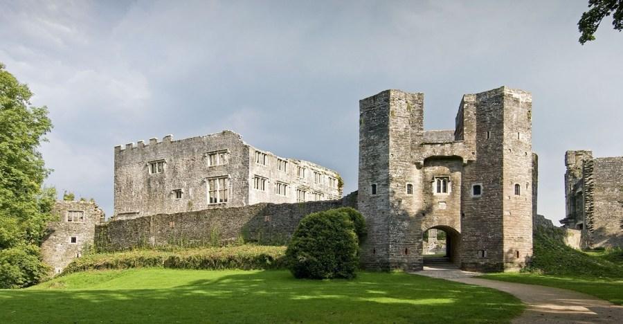 قلعة بيري بوميروي ، إنجلترا |  أكثر 9 قلاع مسكون رعبًا في أوروبا |  التوت الدماغ