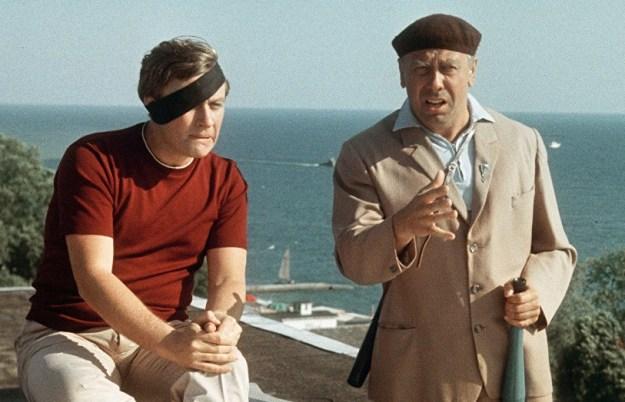 Бриллиантовая рука | 10 крутых советских комедий | Brain Berries