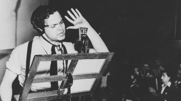 The War of the Worlds Radio Broadcast Didn't Cause Everybody to Freak Out | 6 Historical Events That are Lies (Along With One That's True!) | BrainBerries