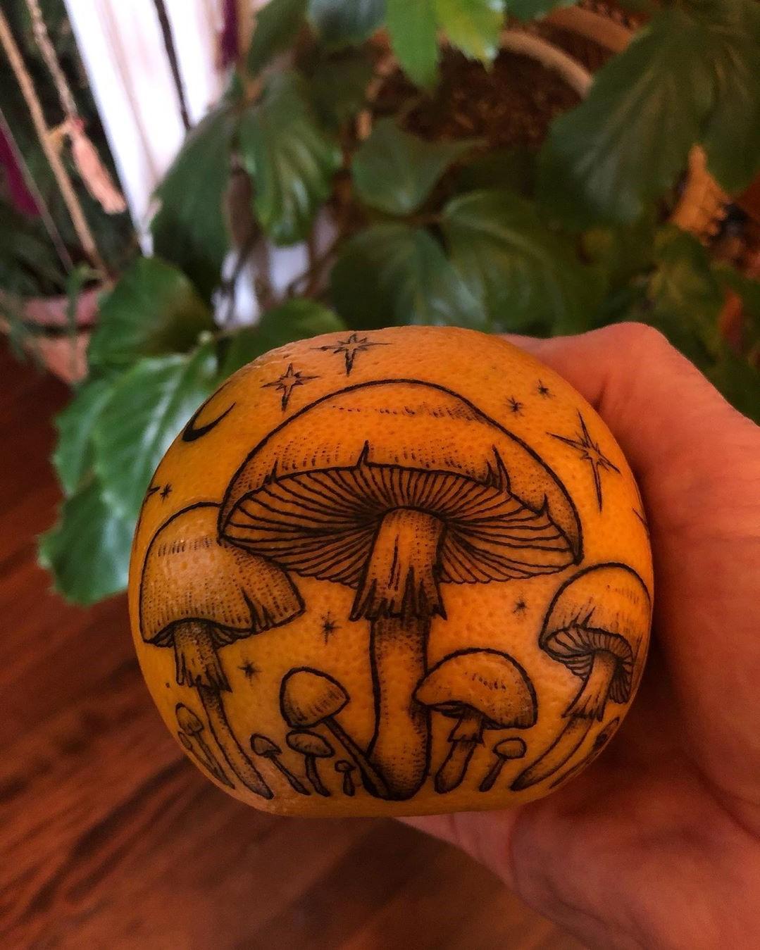رقم 1    هل تحبير البرتقال اتجاه جديد لفن الوشم؟     التوت الدماغ