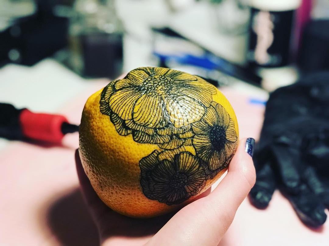 # 11    هل تحبير البرتقال اتجاه جديد لفن الوشم؟     التوت الدماغ