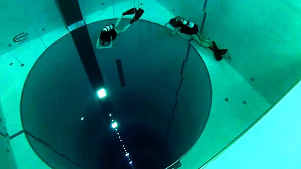 Top 7 Most Mind-Boggling Swimming Pools in the World | Brain Berries