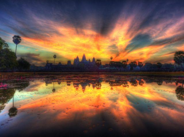 أنغكور وات (كمبوديا) | 10 من أفضل أماكن غروب الشمس في العالم | زيسترادار