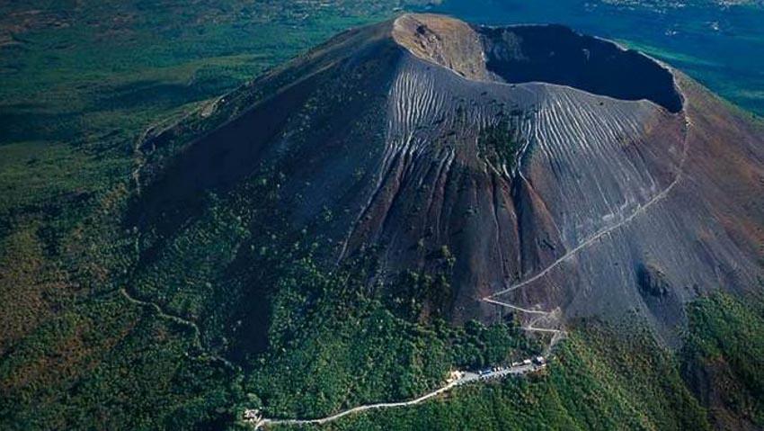 Campi Flegrei |  8 vullkane potencialisht të rrezikshëm që mund të përshkruajnë katastrofë |  Zestradar