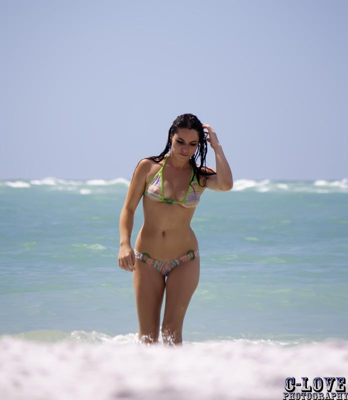 亞曼達 - Amanda Defrance、美國正妹玩家curvyllama遊戲中喊台灣NO.1、起底超胸辣妹玩家人氣實況主模特兒