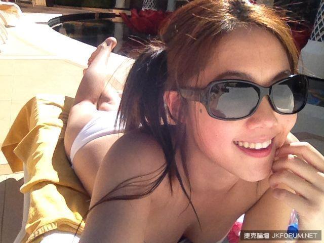 林千又 - 小嫩模女友海量私生活自拍照流出、超甜美性感助理主持人、黑色比基尼爆乳露深邃乳溝誘惑無限