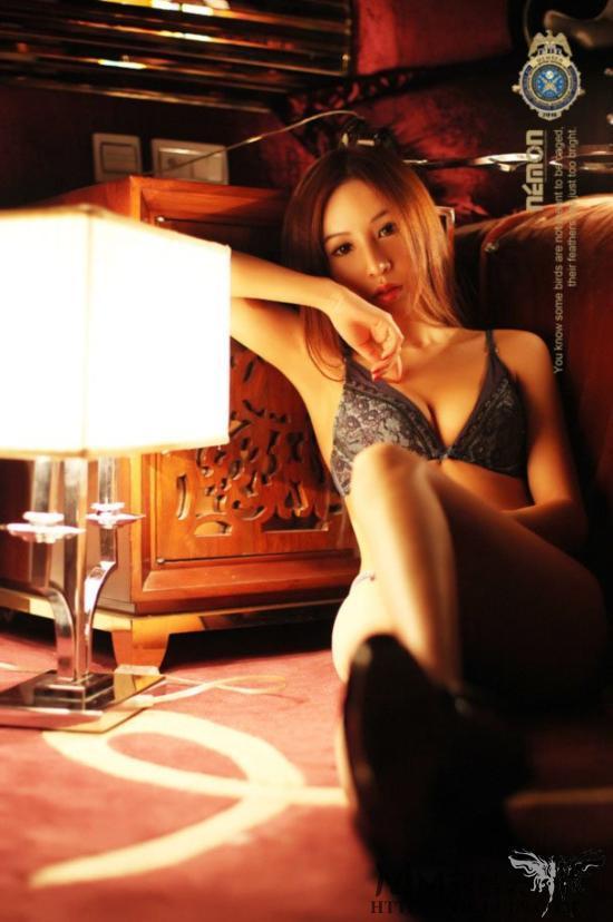 呂婉柔 - 汪小菲被爆劈腿美空第一美女Elin呂琳、禁斷的保齡球奶、挺奶翹臀細腿撩人姿勢讓所有男人看了都上火