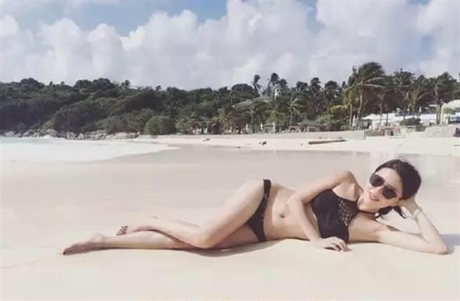 孫憶雯 - 天津工業大學校花美得一蹋糊塗宜古宜今、古裝驚艷鏤空泳裝性感、長腿纖腰脖子以下全是腿