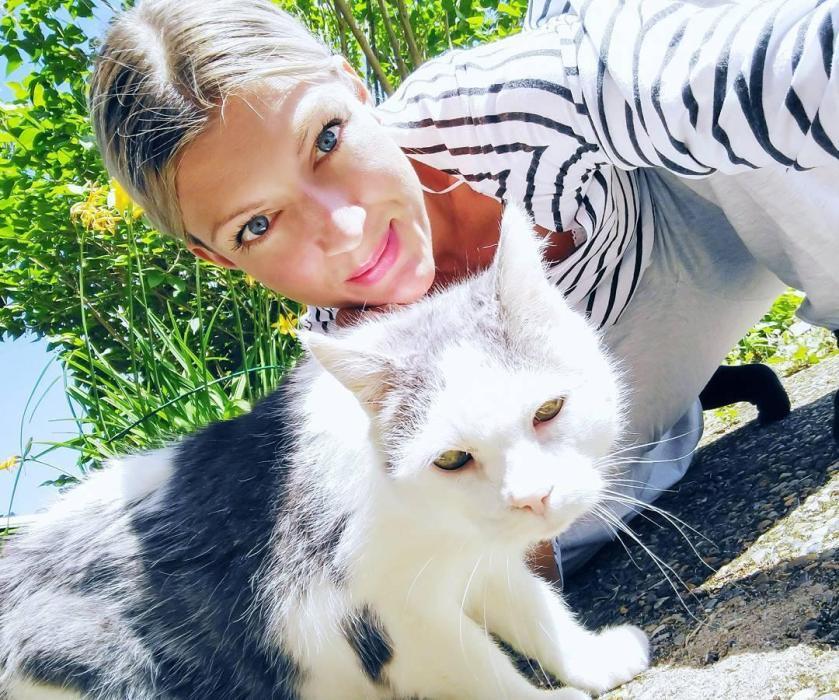 彼得森 - 瑞典正妹女機師Maria Pettersson驚人比基尼瑜珈照爆紅