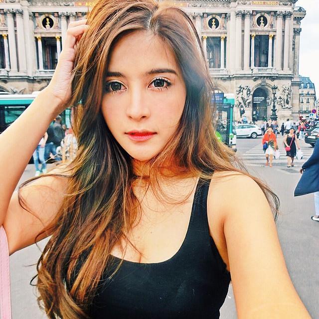Kingkaew Karnthiang - 泰國混血正妹顏值爆表、泰英混血美女學霸女神基因吸45萬粉絲追蹤