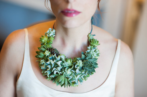 living_jewelry_a_unique_and_elegant_way_to_accessorize_09