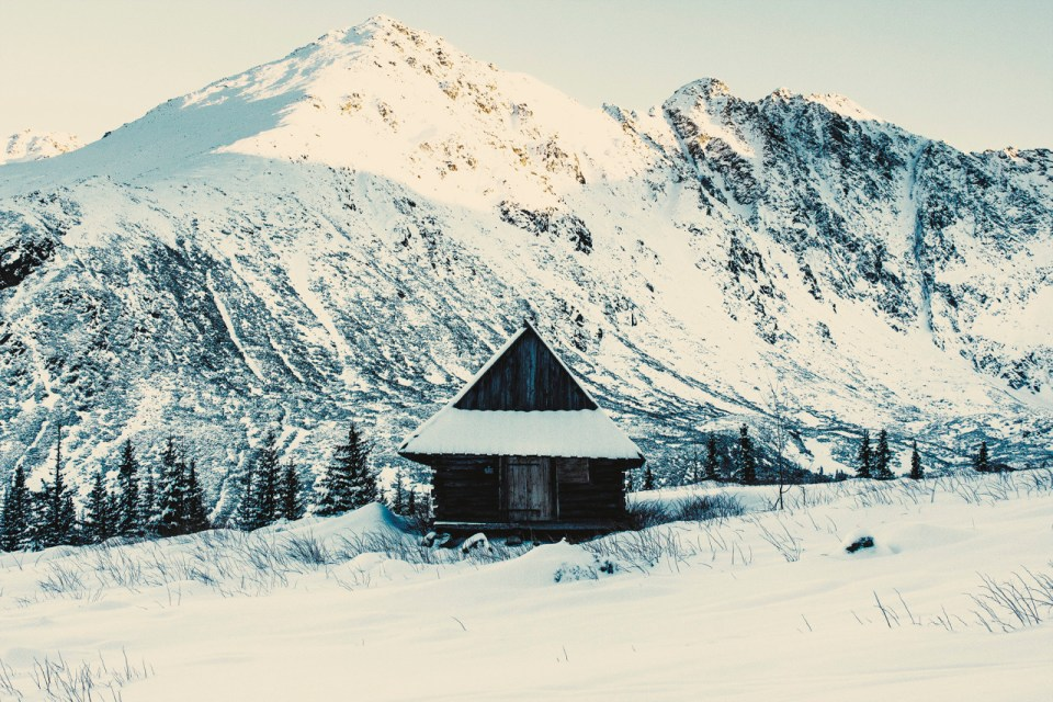 stunningly-dreamy-remote -cabins-in-the-middle-of-nowhere-10