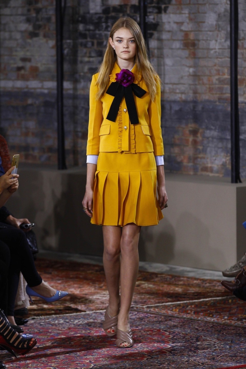 best-looks-of-the-gucci-cruise-collection-2016-01