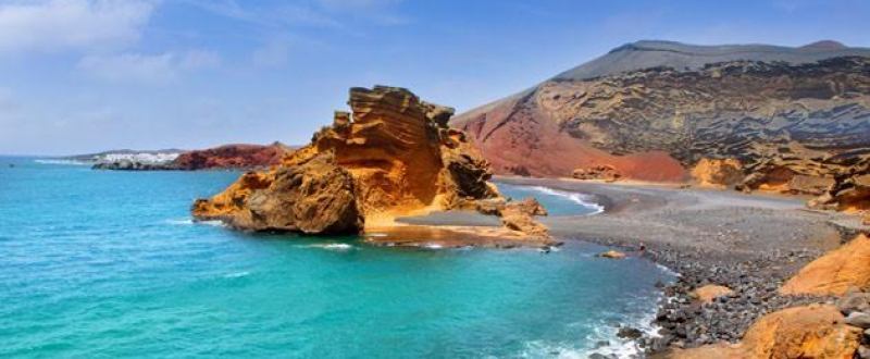 the-most-beautiful-islands-to-spend-your-summer-vacation-01