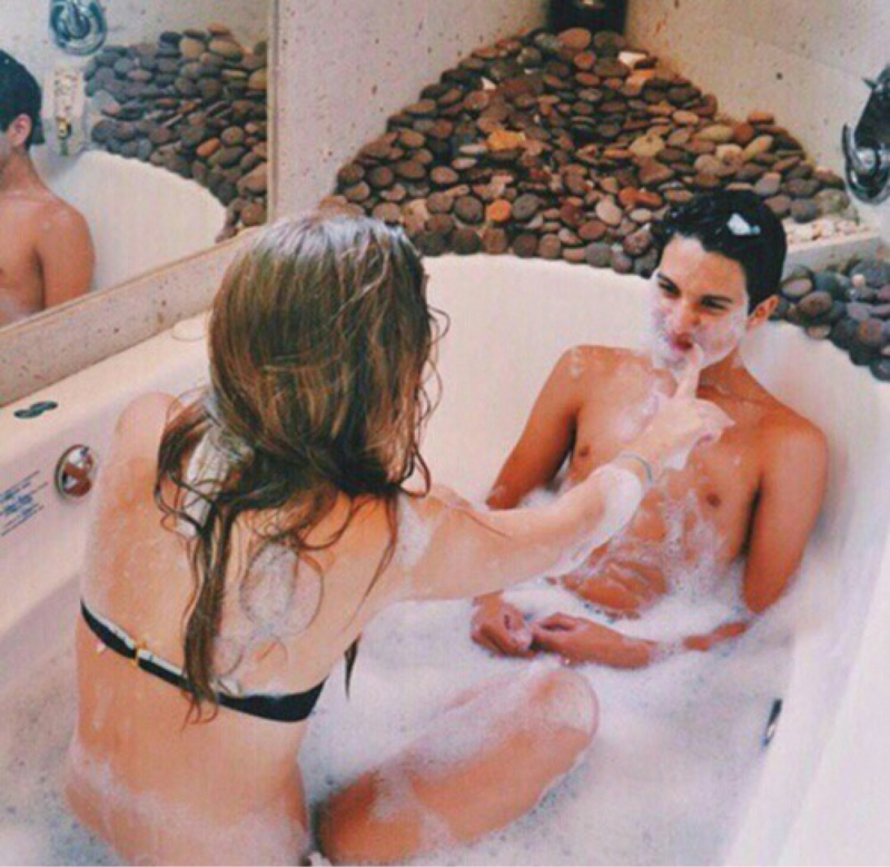 things-men-only-do-when-theyre-crazy-about-you-08
