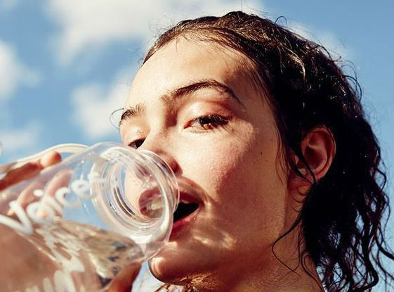 Increase water intake     9 Best Tips To Get Glowing Skin In Summer Naturally   Her Beauty