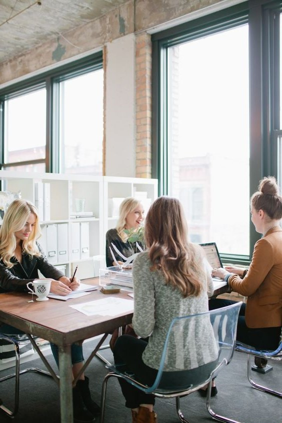 Check your workplace circle   6 Ways to Be More Positive at Work   Her Beauty