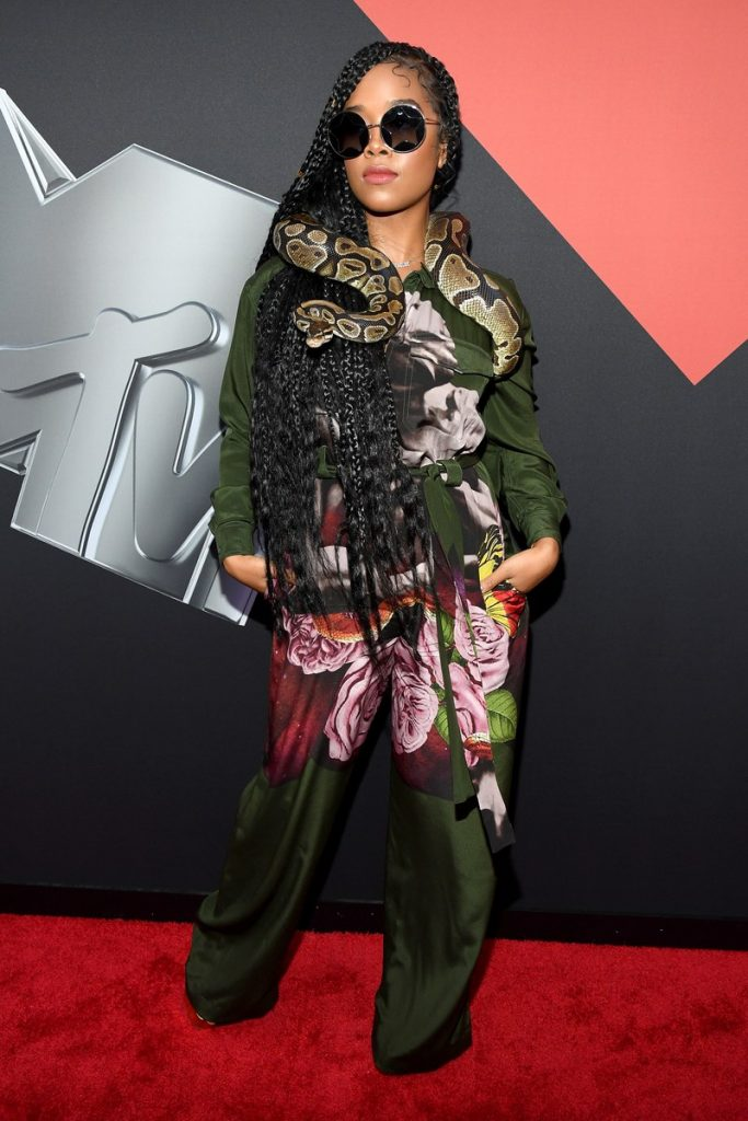 H.E.R | Hottest VMA 2019 Looks | Her Beauty