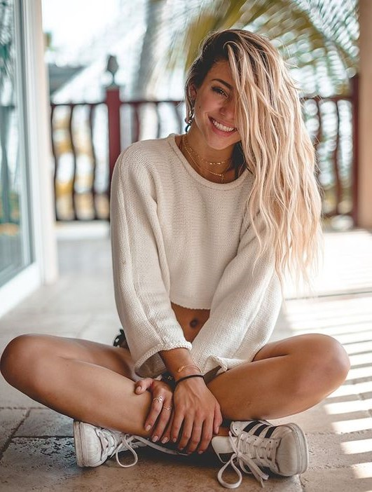 Spread positivity | 8 Daily Habits That Will Make You Happier | HerBeauty