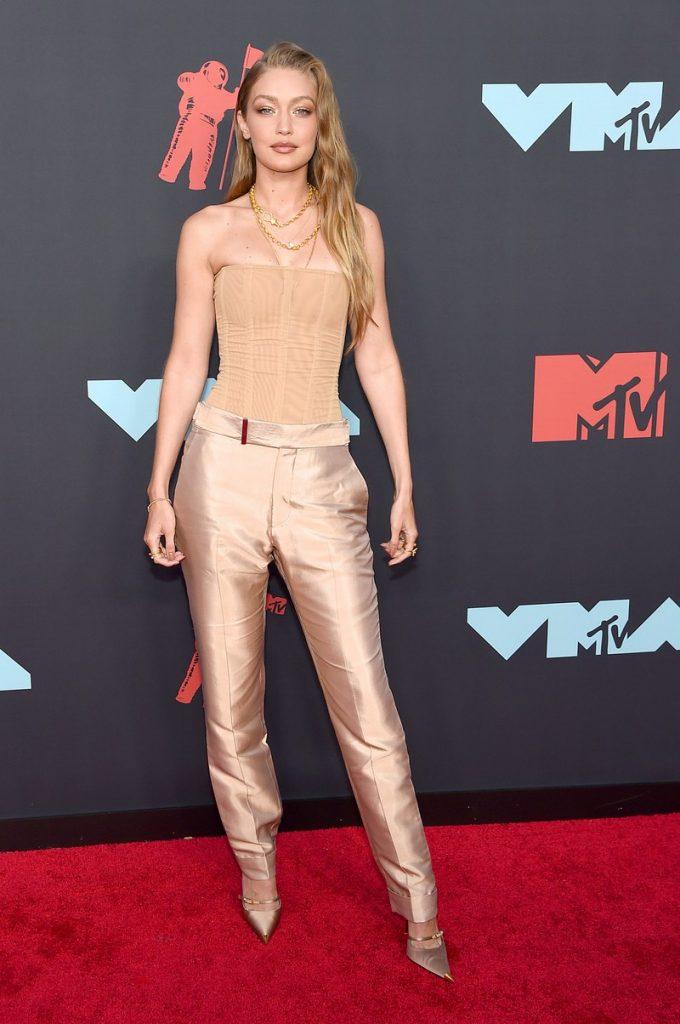 Gigi Hadid | Hottest VMA 2019 Looks | Her Beauty
