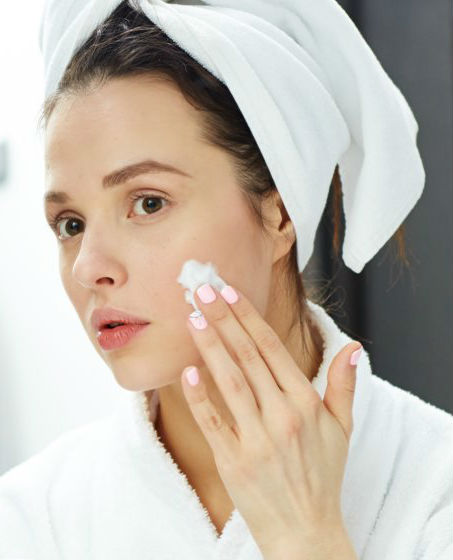 Moisturizing #2 | 12 tips on how to look 30 years old when you're 50 years old | Her Beauty
