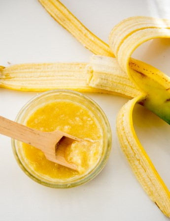 Banana mask | 6 Natural Home Remedies for Wrinkles | Her Beauty