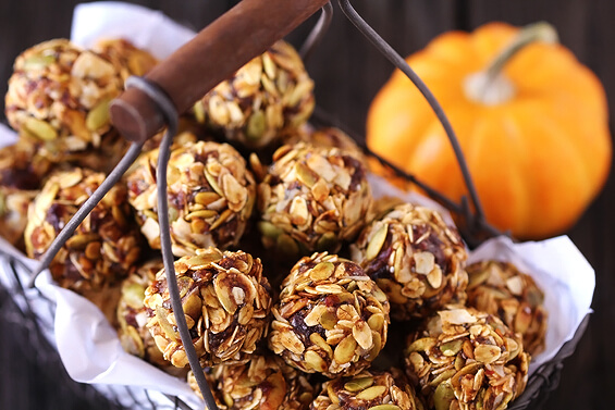 Pumpkin No-bake Energy Bites | 12Healthy Pumpkin Recipes Perfect for Fall | Her Beauty