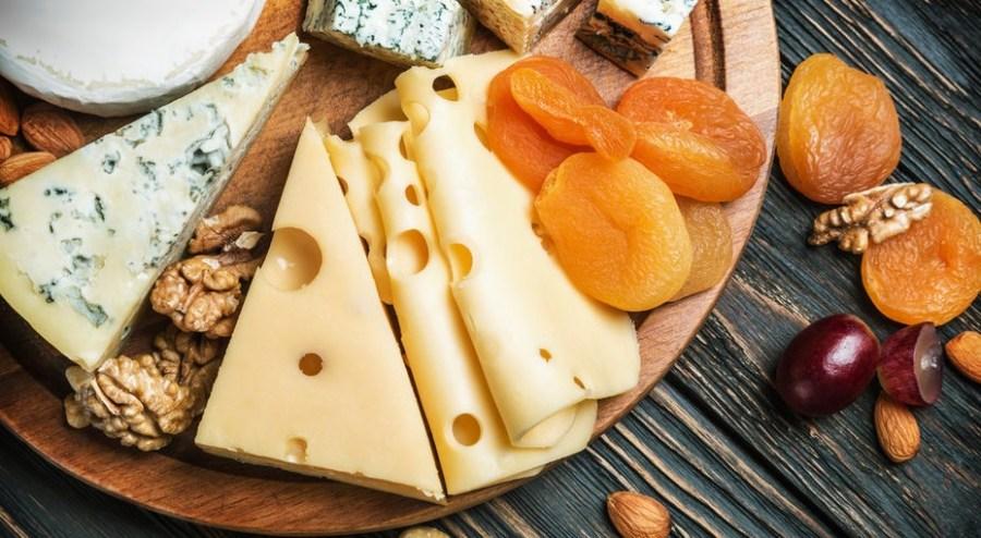 Спасти сыр от «заветривания»   Бабушкины лайфхаки для кухни, которые актуальны и в наши дни   Her Beauty
