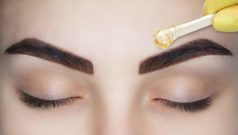 Everything to Know About Eyebrow Waxing at Home #6 | Her Beauty