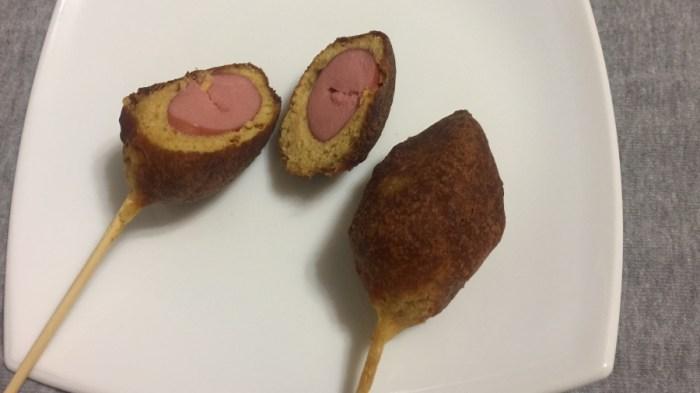 Корн-дог, кукурузная собака на палочке?