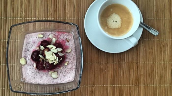 Вишнёвый десерт с семенами чиа