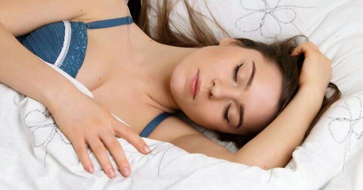 25 вещей, которые происходят с нашим телом, пока мы спим