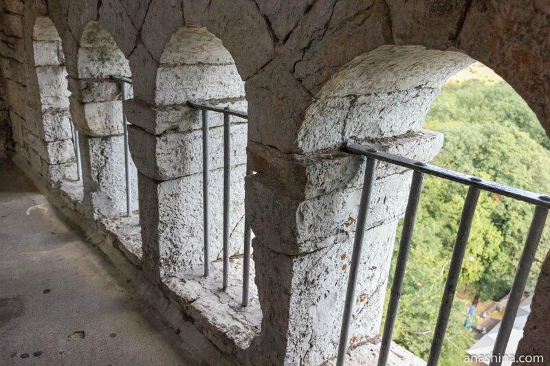 Окна, Башня Ахун, Сочи
