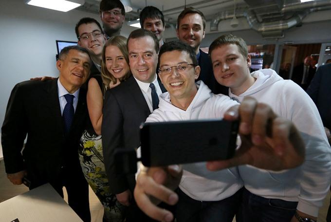 Телефонные «селфи» с участием мировых политиков