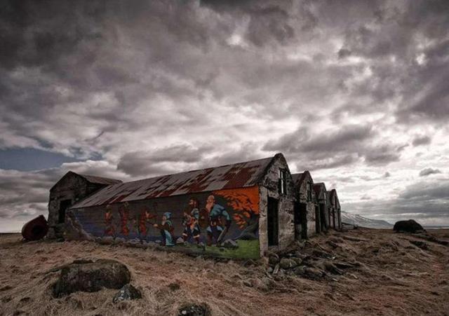 Красивые, но всеми заброшенные здания в разных странах мира