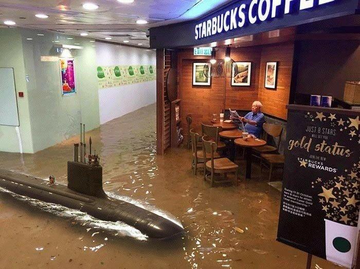 Фотожабы на старика из Гонконга, который остался за столиком кафе, несмотря на наводнение