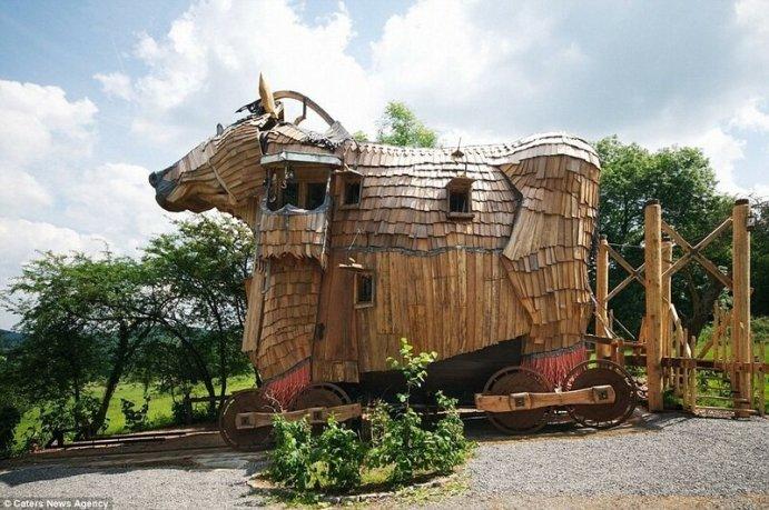 Необычные здания в виде животных в разных странах: фотографии