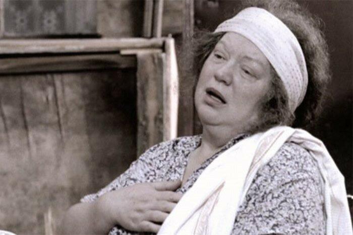 Светлана Крючкова в роли тети Песи